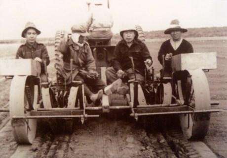 Japanese internees working on farm