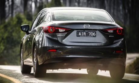 https://media.raa.com.au//medialibrary/image/resized/7261/Mazda3%20SP25%20rear-84,26_598,332-460,274.jpg