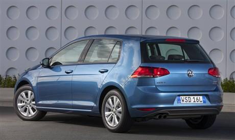 2014 Volkswagen Golf 90 TSI Comfortline - Car Reviews | RAA